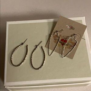 Fashion jewelry Silver looped and arrowhead shape